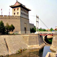 Xi'an Day Tour - Shaanxi History Museum, City Wall, Bell Towers