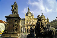 Welcome to Graz - 24 Hour Travel Pass, Graz City Walk and Dinner