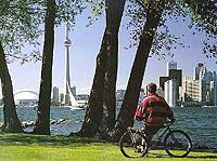 Grand City Tour of Toronto plus Harbour Cruise