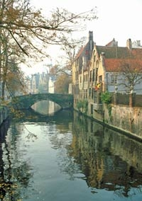 Private Full Day Walking Tour of Bruges with Lunch at De Halve Maan Brewery and Canal Cruise