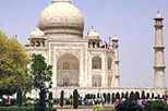 Full day Taj Mahal excursion to Agra by private vehicle